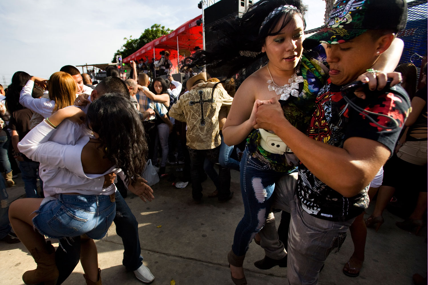 Swingin' and Grindin'                               Dozens of narcocorrido artists routinely tour the U.S.