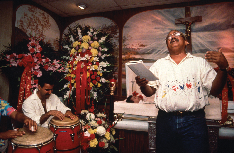 Miguel Algarin eulogizes Ritchie Cruz
