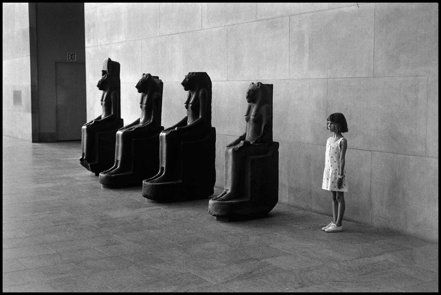 "New York, 1988. ""This is one of my daughters at the Metropolitan Museum. This is daughter number six — Amy is on the right."""