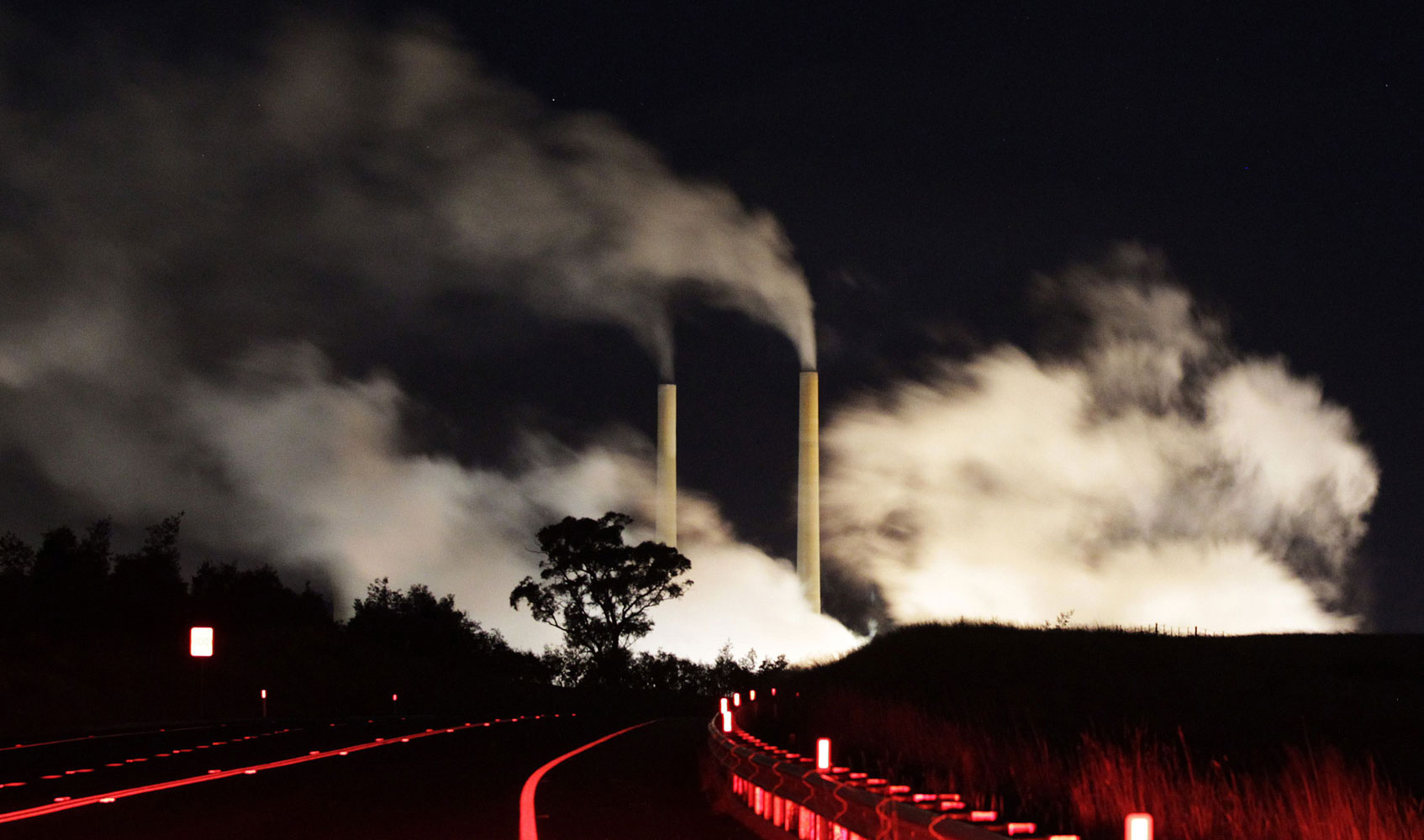 July 7, 2011. Steam and other emissions rise from a coal-fired power station near Lithgow, 120 km (75 miles) west of Sydney. Australia is set to slap a carbon tax of A$23 a metric ton ($24.60) on its major emitters, newspapers said on Thursday, but it has halved the number of companies liable for the tax in a bid to overcome hostility to the policy.