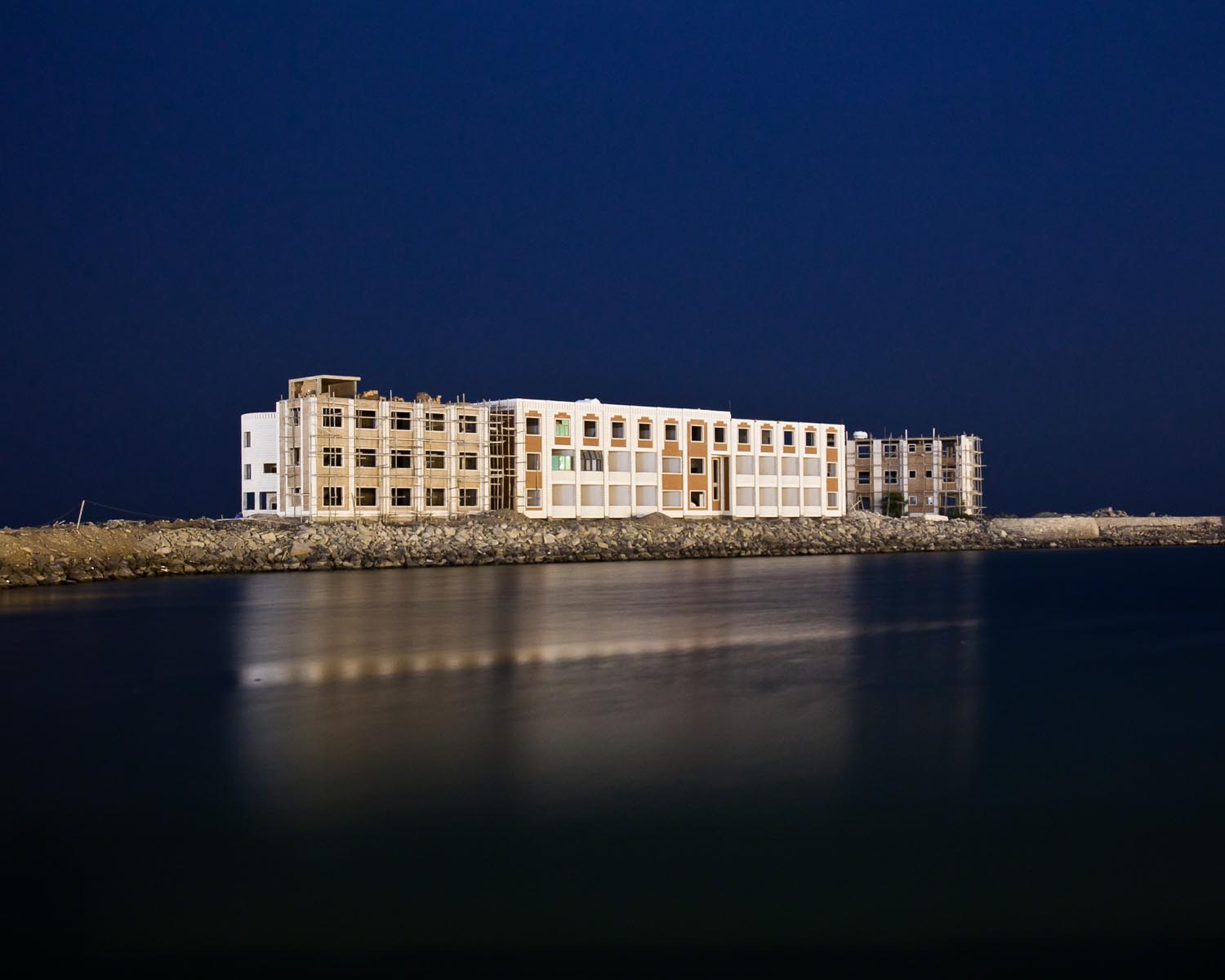 The construction of a hotel on the coast of Hodeidah, a large port on the Red Sea. August 2010.