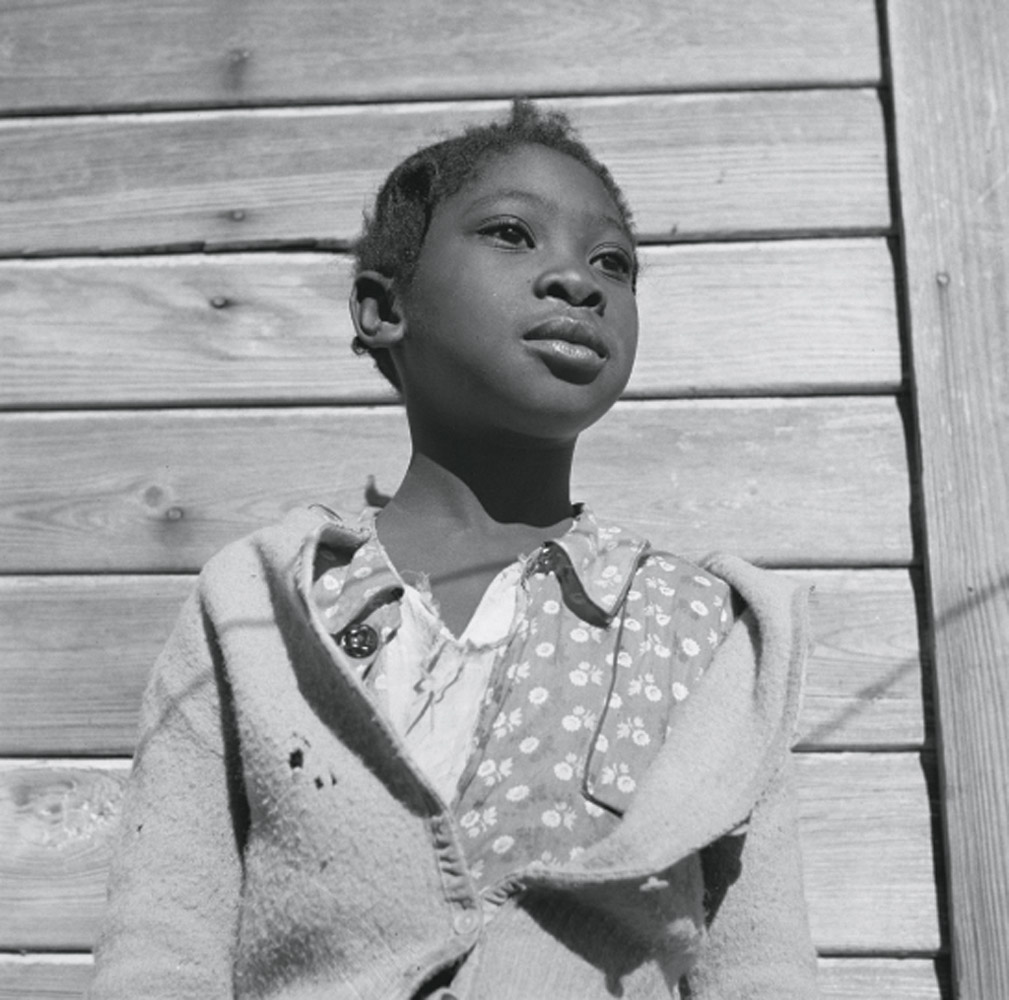 An orange picker's daughter in Daytona Beach, Florida, February 1943.
