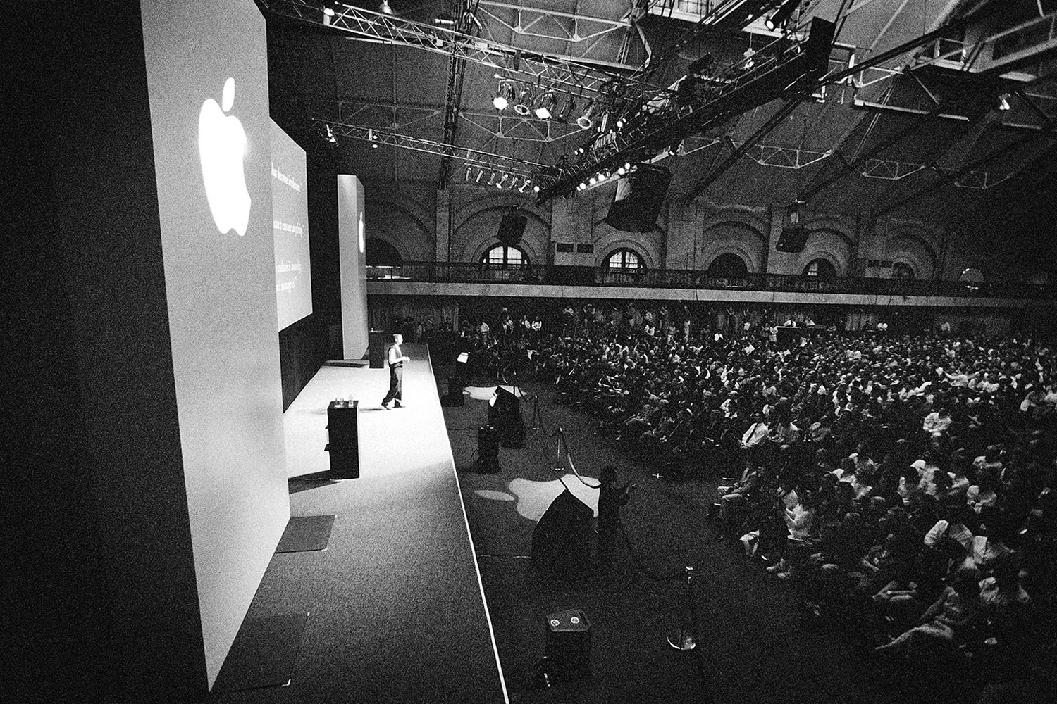 Jobs delivers remarks at Boston's 1997 Macworld Expo.