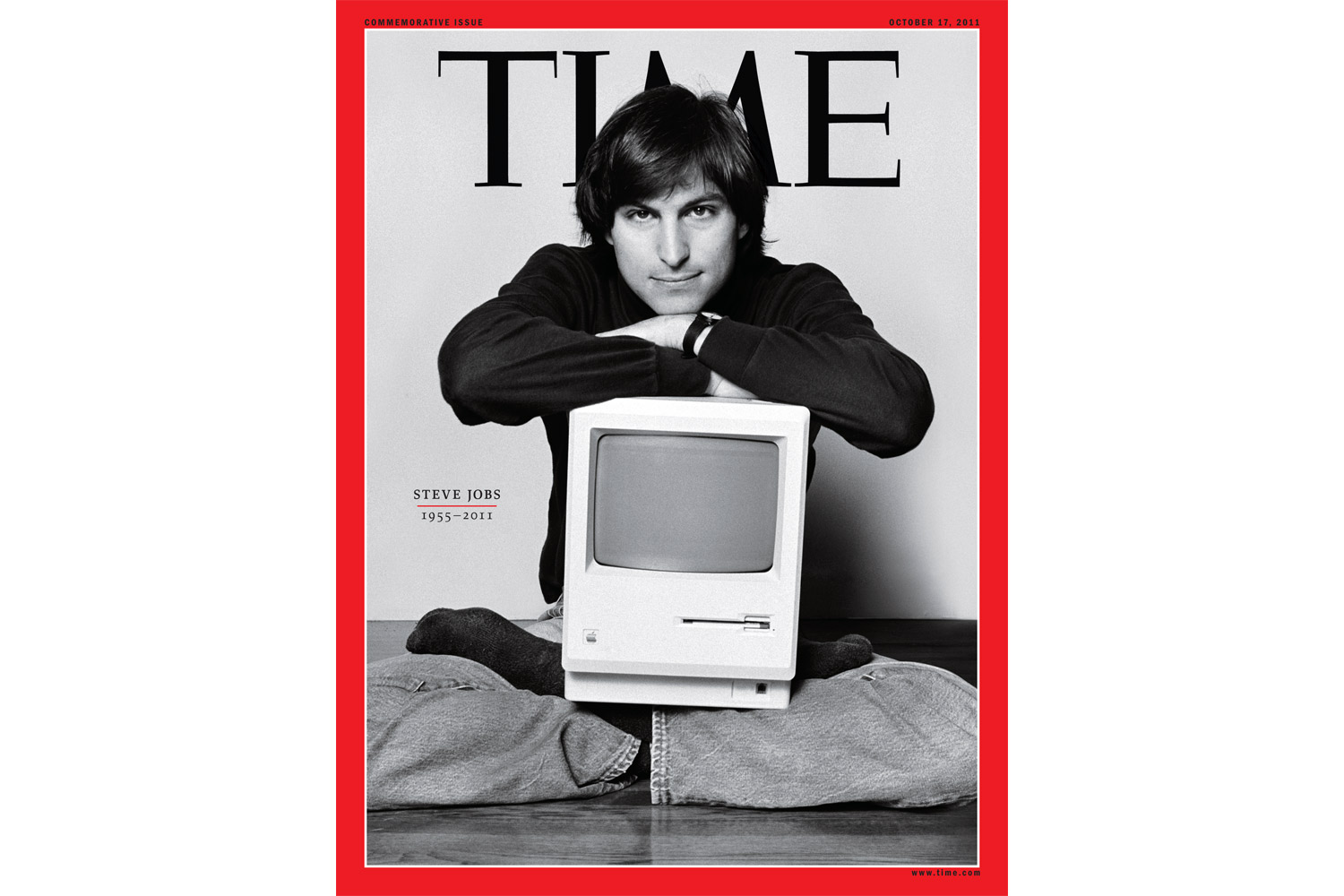 An image of Steve Jobs in his living room in Woodside, Ca., February 1984.