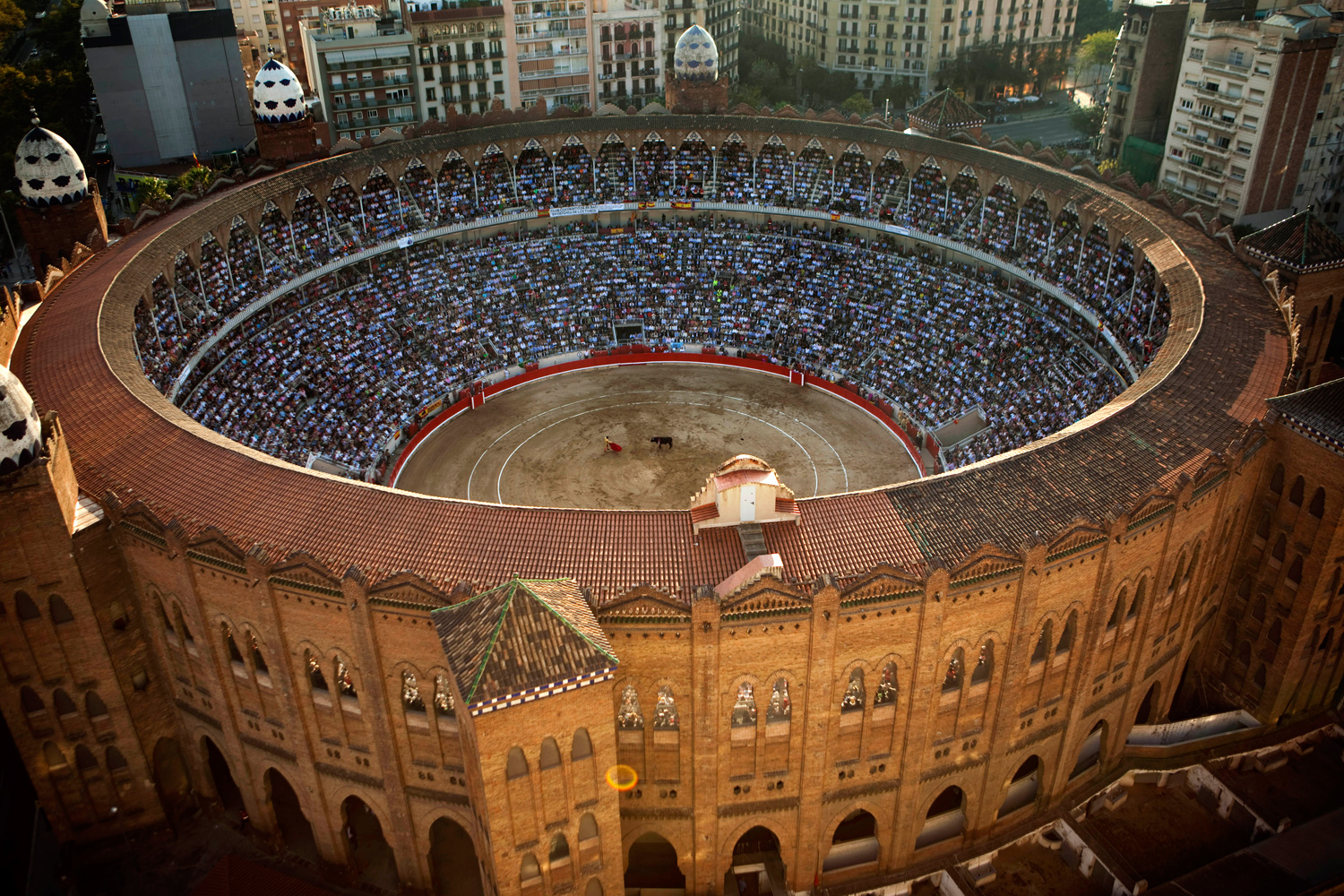 September 25, 2011. Spain's bullfighter Jose Tomas performs at the Monumental bullring in Barcelona, Spain. Spain's powerful northeastern region of Catalonia bid farewell this year to the country's emblematic tradition of bullfighting with a final bash at the Barcelona bullring.