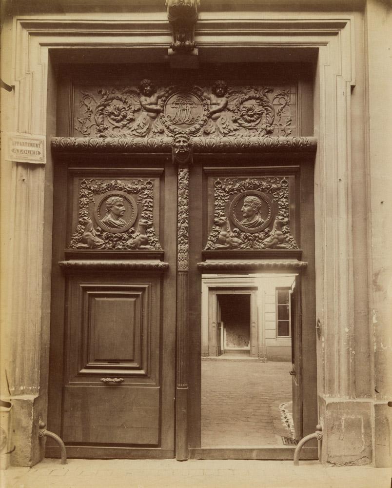 Hotel of Archevêques de Lyon at 58 rue Saint-André-des-Arts, 1900