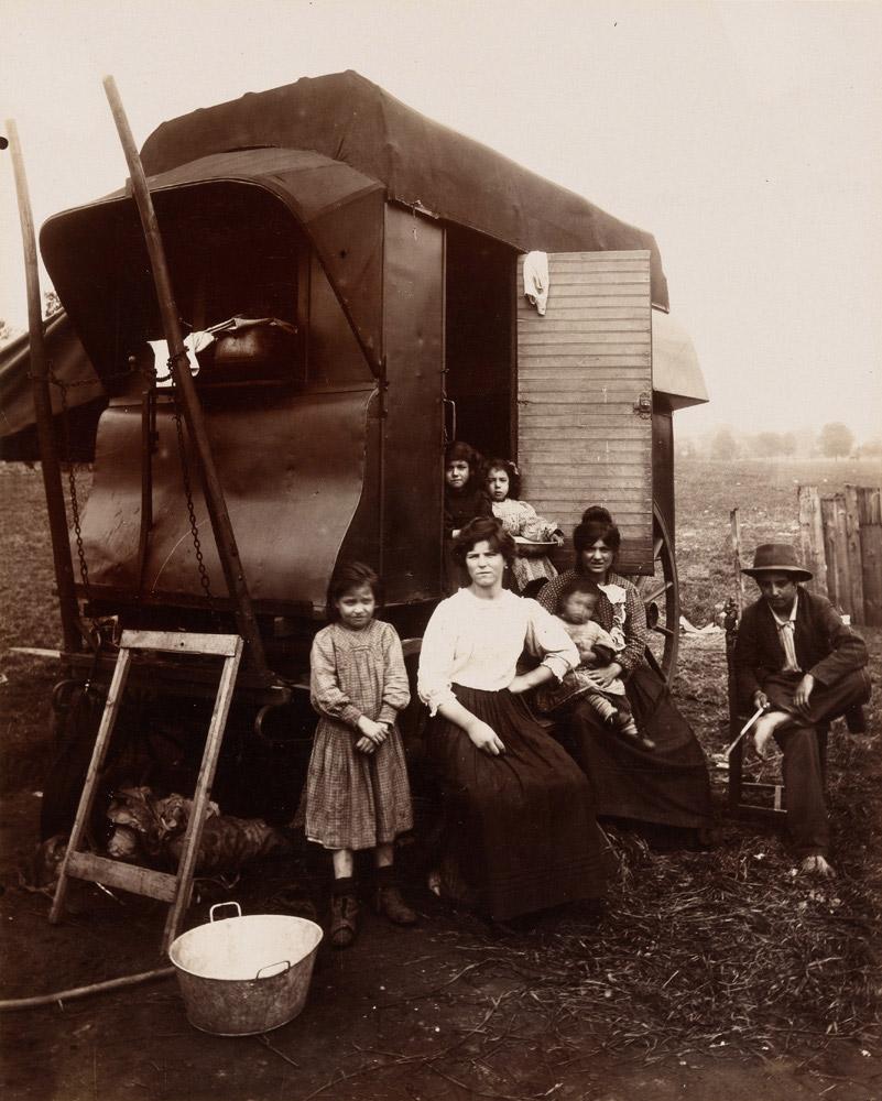 Group of Romanies [gypsies], 1912