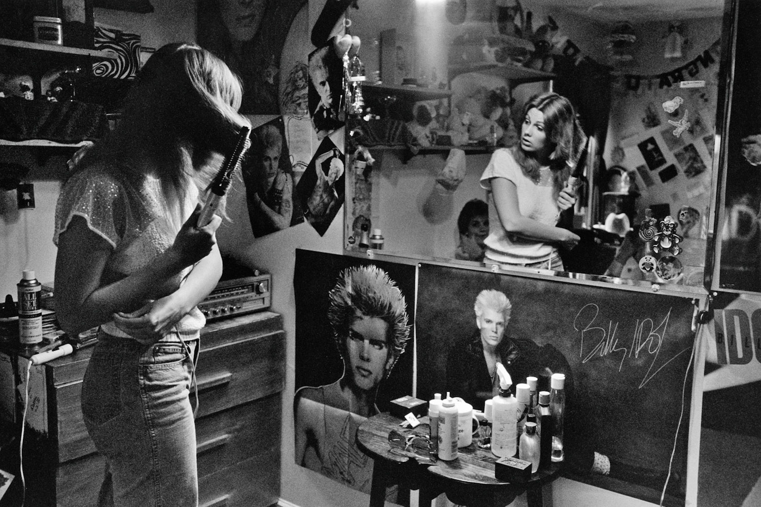 Dawn in Her Room, 1985