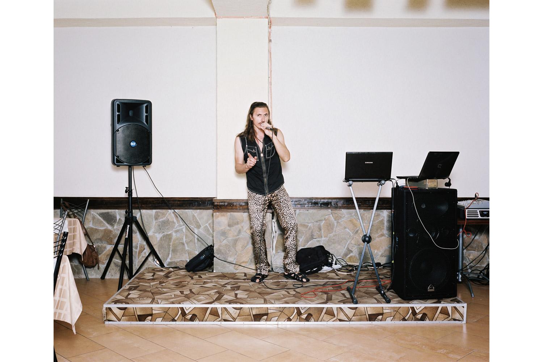 Dimitri Bum sings Digi Digi                               Lilya restaurant, Lazarevskaya.