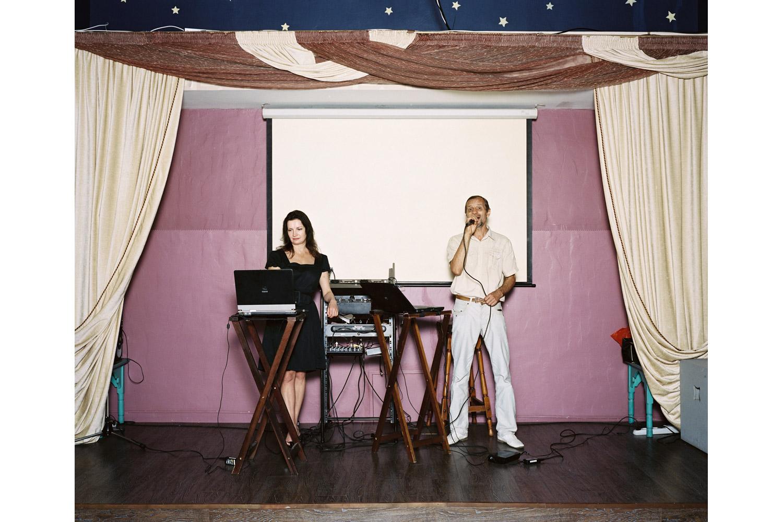 Viktor Mironov and Alyona Goreva sing Quando, Quando, Quando                               Shelkovy Puty restaurant, Sochi.
