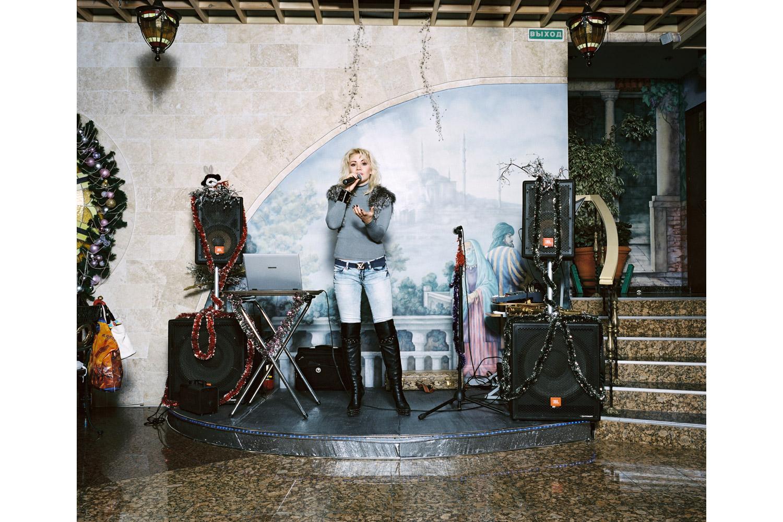 Marika Bajur sings Kuriu ( I'm smoking )                               Eurasia restaurant, Sochi.