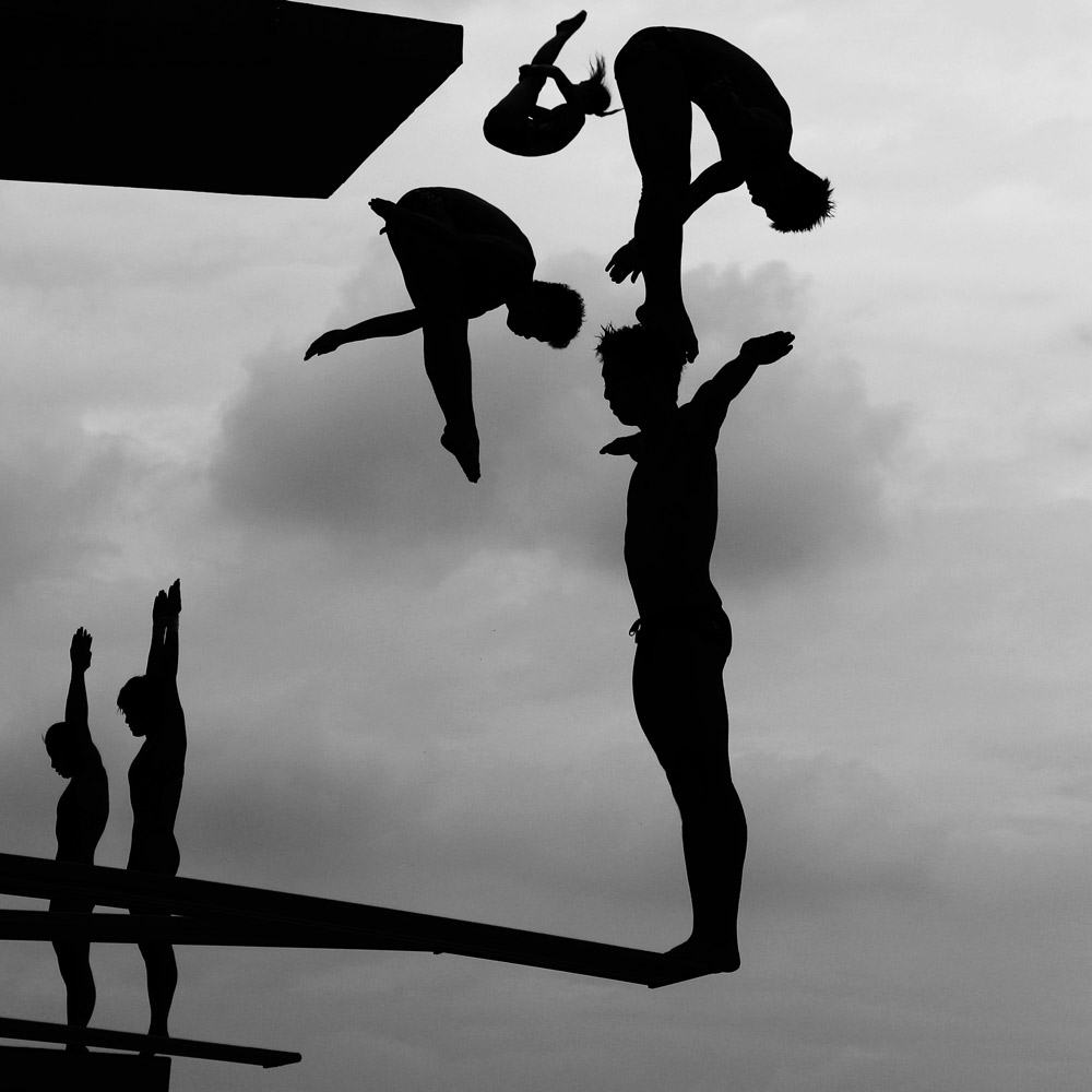 Second Prize Sports StoriesJuly 17. Shanghai, China. Divers practice during the 14th FINA World Championships at the Oriental Sports Center in Shanghai.