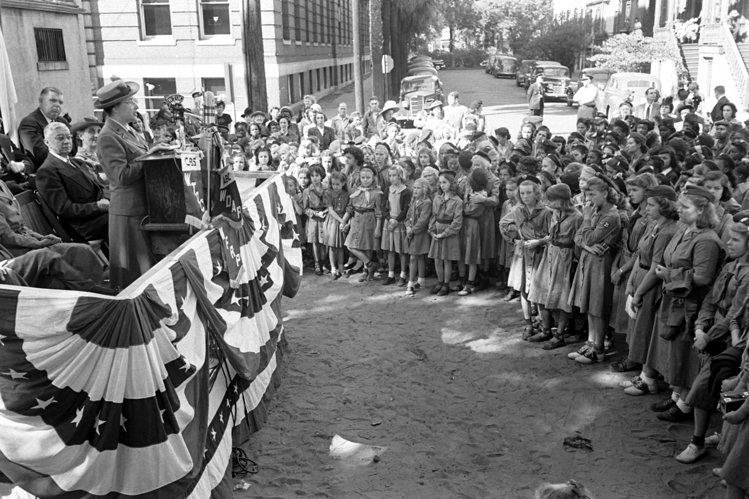 Daisy Gordon Lawrence addresses a crowd in Savannah, Georgia, during a celebration honoring her aunt, Juliette Low, founder of the Girl Scouts of America.