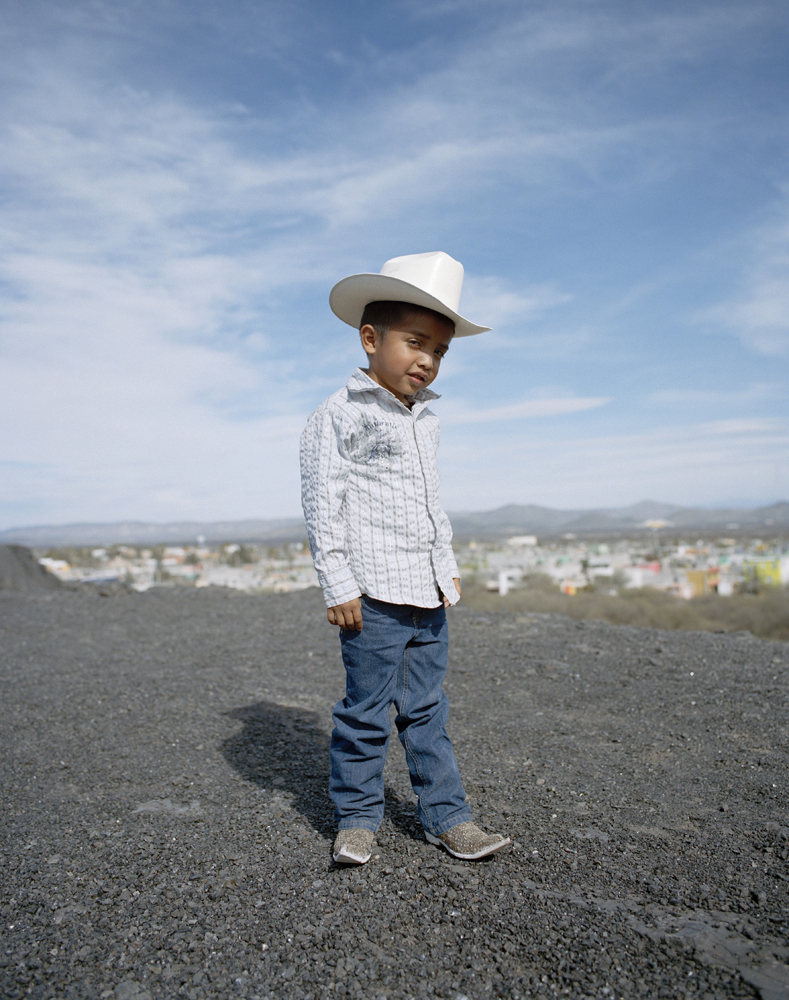 Boy with  Los Socios  pointy boots crew from Matehuala.