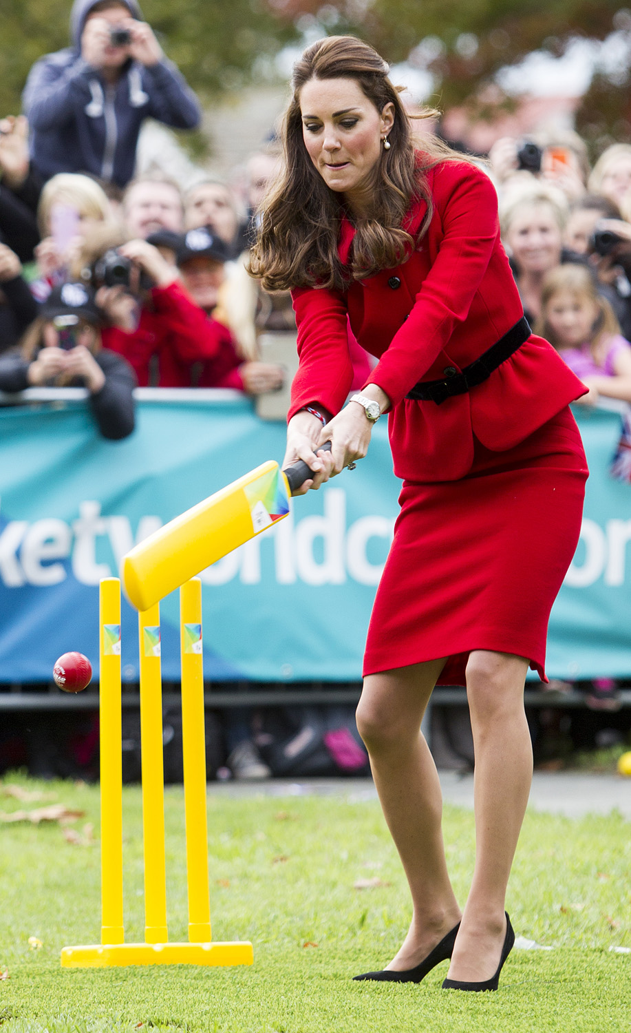 <strong>Batter Up!</strong>Catherine, Duchess of Cambridge plays cricket in Latimer Square Gardens on April 14, 2014 in Christchurch, New Zealand.