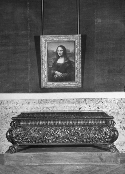 Leonardo da Vinci's Mona Lisa, the Louvre, 1953.