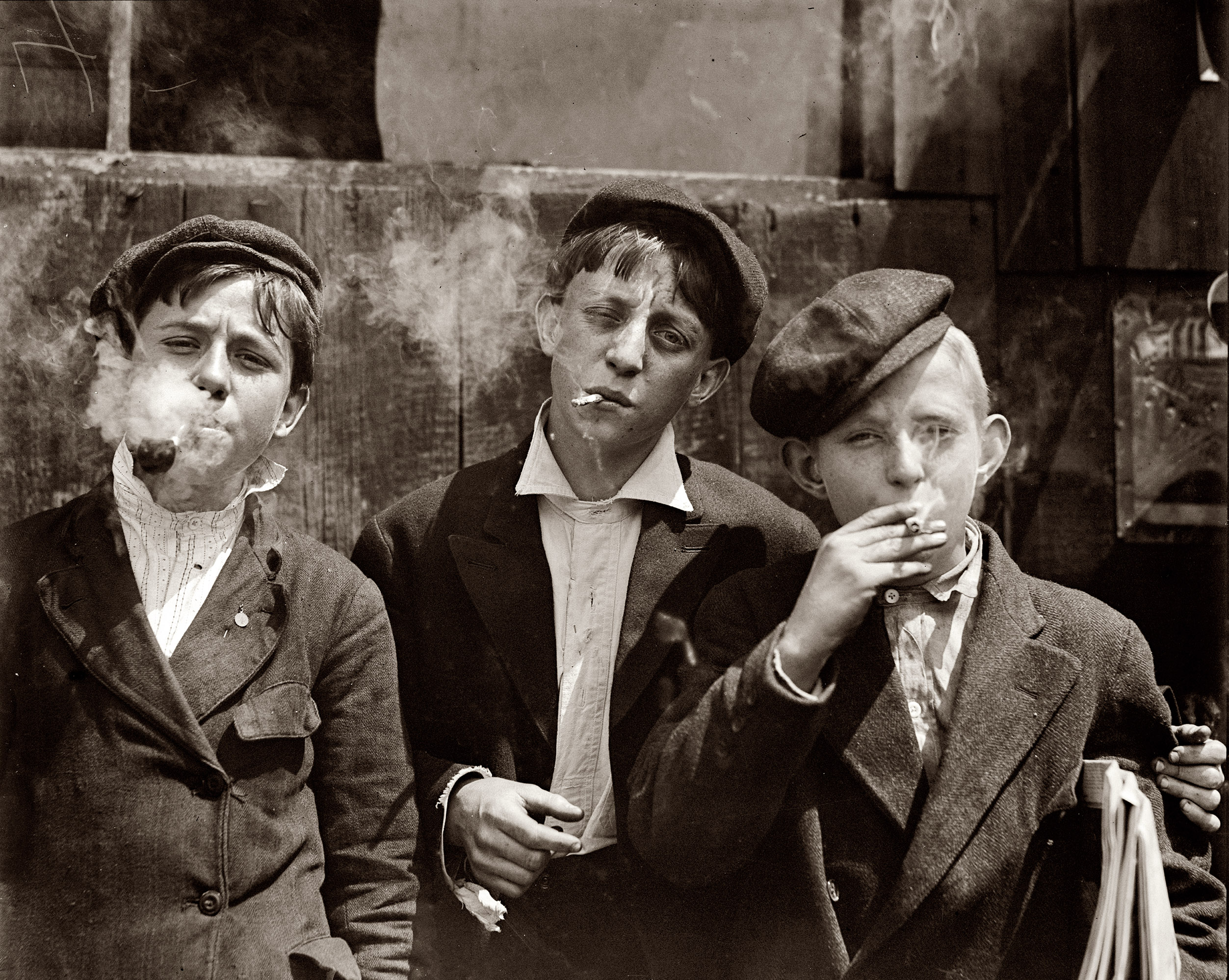 11 a.m. Monday, May 9, 1910.  Newsies at Skeeter's Branch, Jefferson near Franklin, St. Louis.