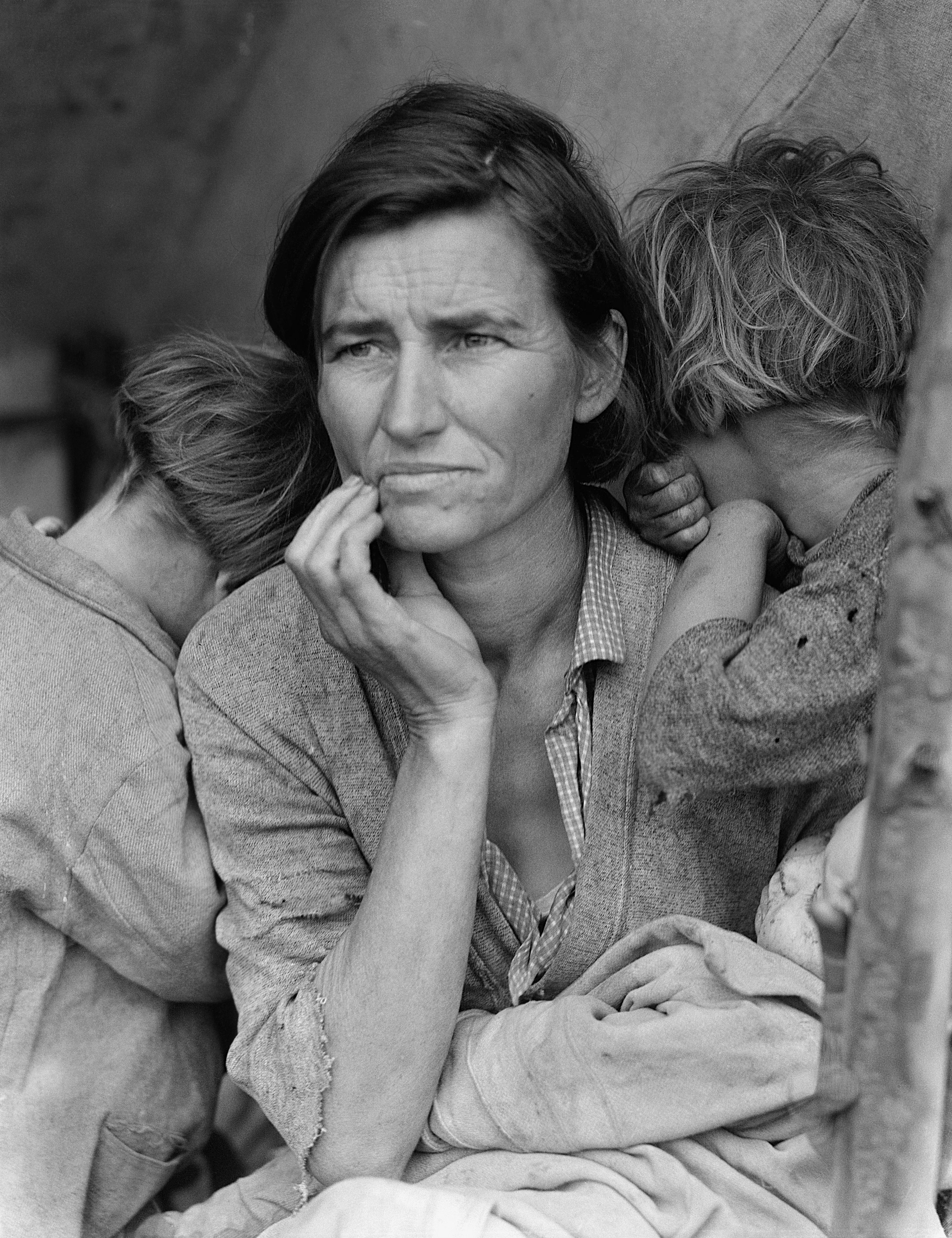 1932. 32-year-old migrant mother of seven children.