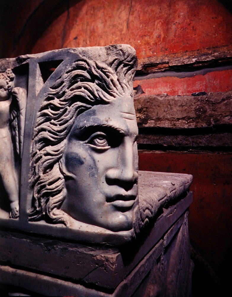Classic sculpture adorns the Marci sarcophagus of Q. Marcius Hermes and his wife.