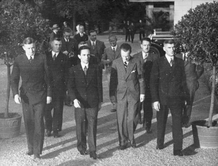 Joseph Goebbels (center) walks with the German delegation at League of Nations conference, Geneva, 1933.