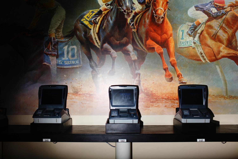 self betting machines at belmont