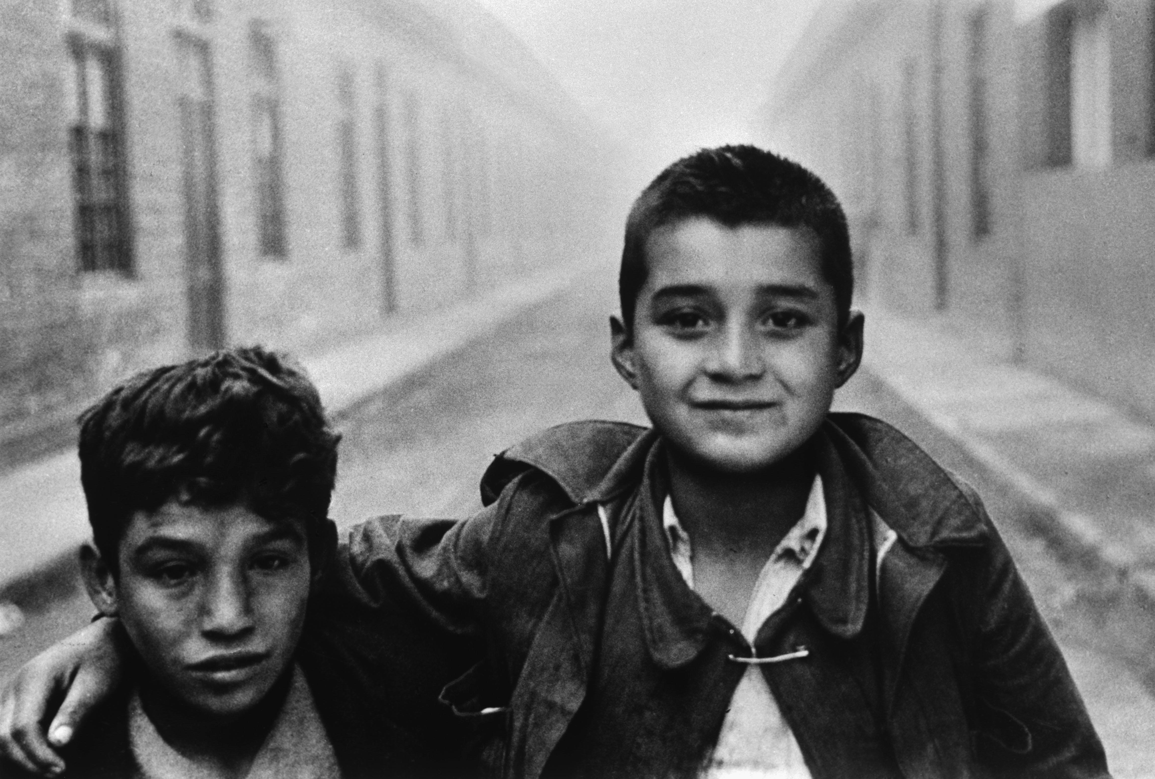 Street children in Santiago, 1957.