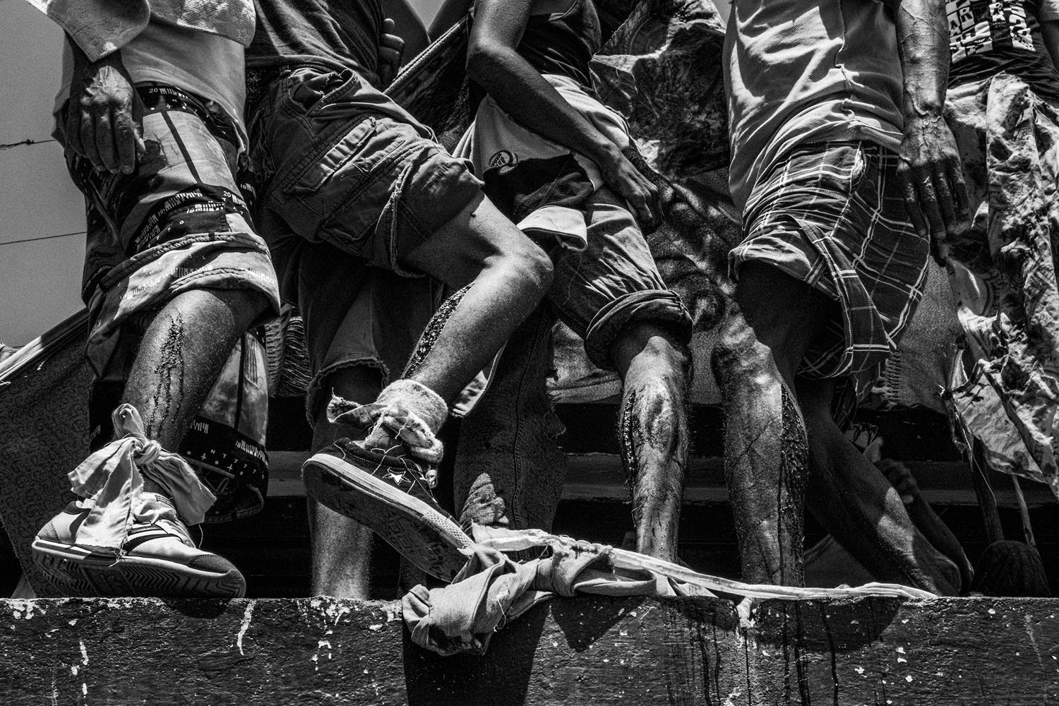 Prisoners make a blood strike on the roof to demand their transport to the capital city, Caracas.