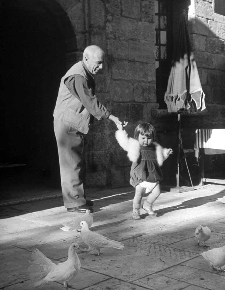 Pablo Picasso and daughter Paloma, 1951.