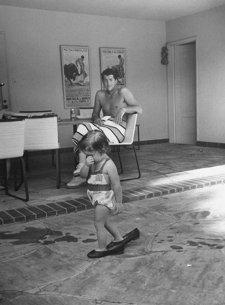 Dean Martin with daughter Gina Caroline, 1958.
