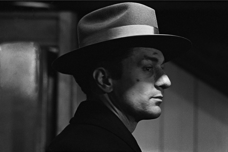 De Niro, as La Motta, wearing a Gingerella hat.