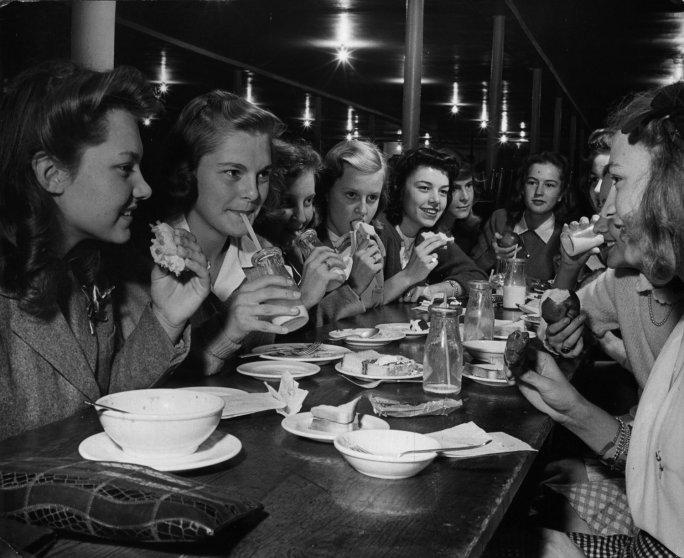 Midwestern teenage girls, 1944.