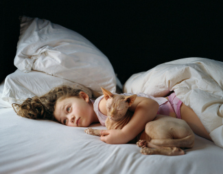 A photograph from Schwartz's series Amelia and the Animals.