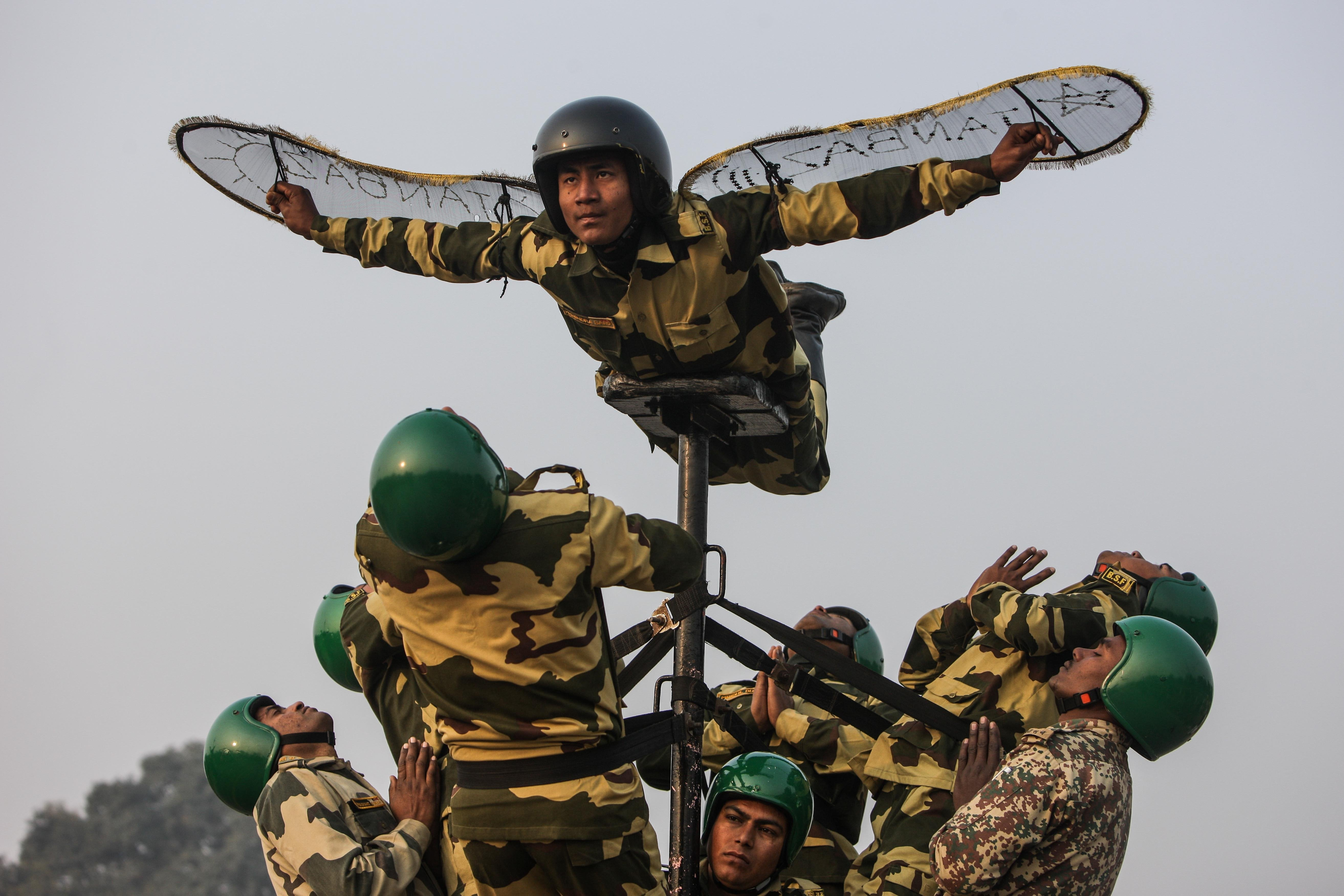 Members of India's Border Security Force rehearse for the Republic Day, 2014, celebrations on Rajpath in New Delhi, India, Jan. 11, 2014.