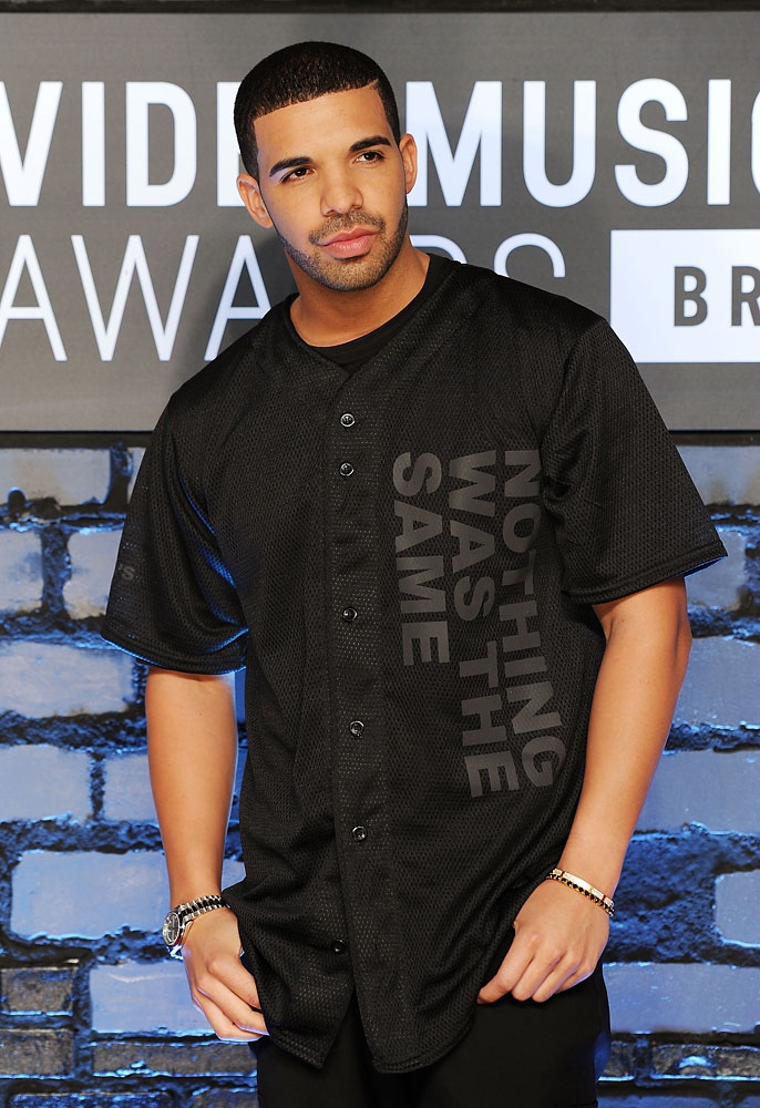 Drake arrives at the 2013 MTV VMA Awards red carpet at the Barclay's Center in Brooklyn, N.Y., on Aug. 25, 2013.