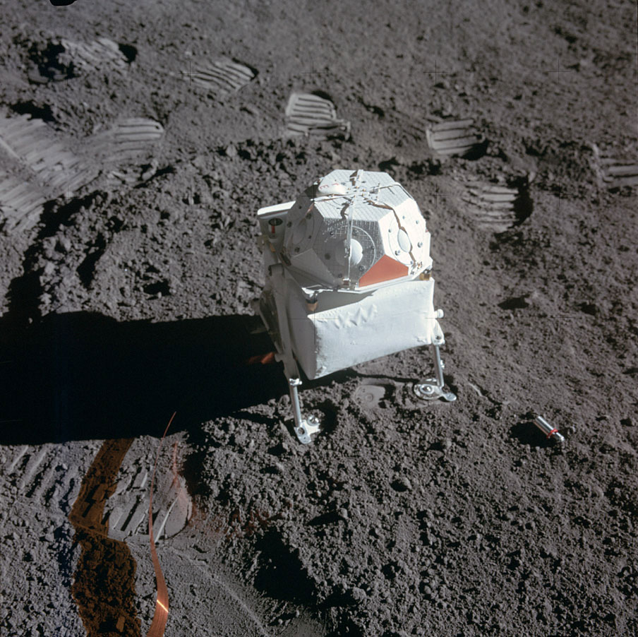 The solar wind spectrometer experiment was an instrument that bore a striking (but completely coincidental) resemblance to a miniature lunar module. It was used to measure the charged particles streaming in from the sun.