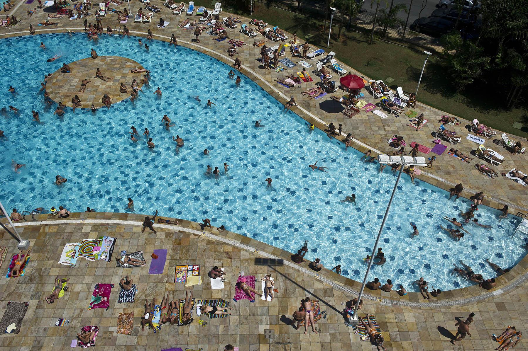 People swim at the SESC Belenzinho club in Sao Paulo, Brazil on Jan. 31, 2014.