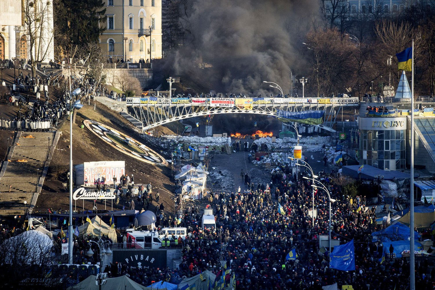 Anti-government protesters clash with riot police outside Ukraine's parliament in Kiev, on Feb. 18, 2014.
