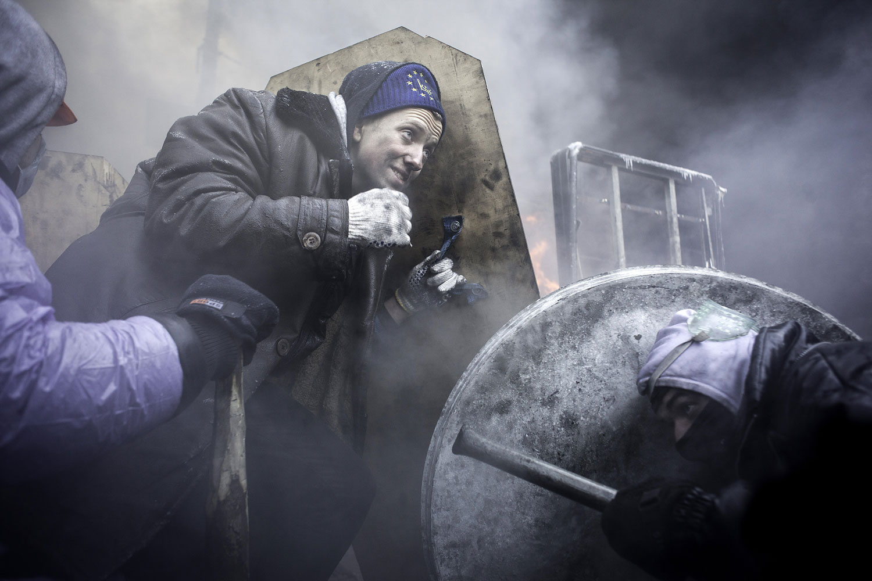 Street fights during very low temperature in Kiev, Jan. 25, 2014.