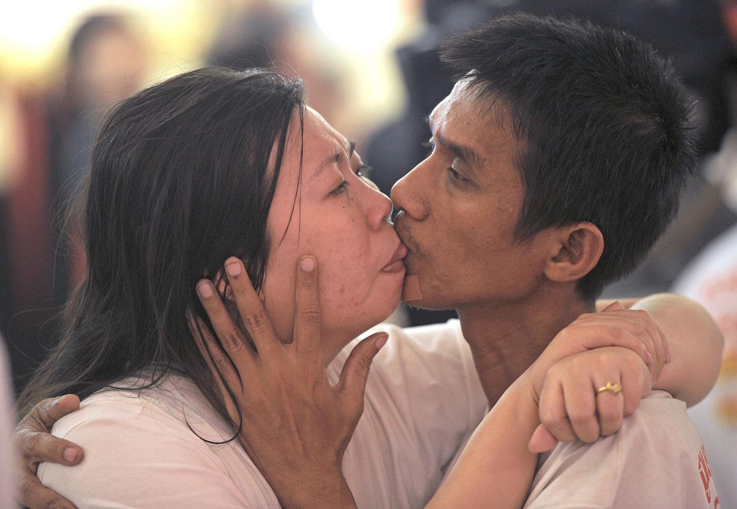 World's Longest Continuous Kiss