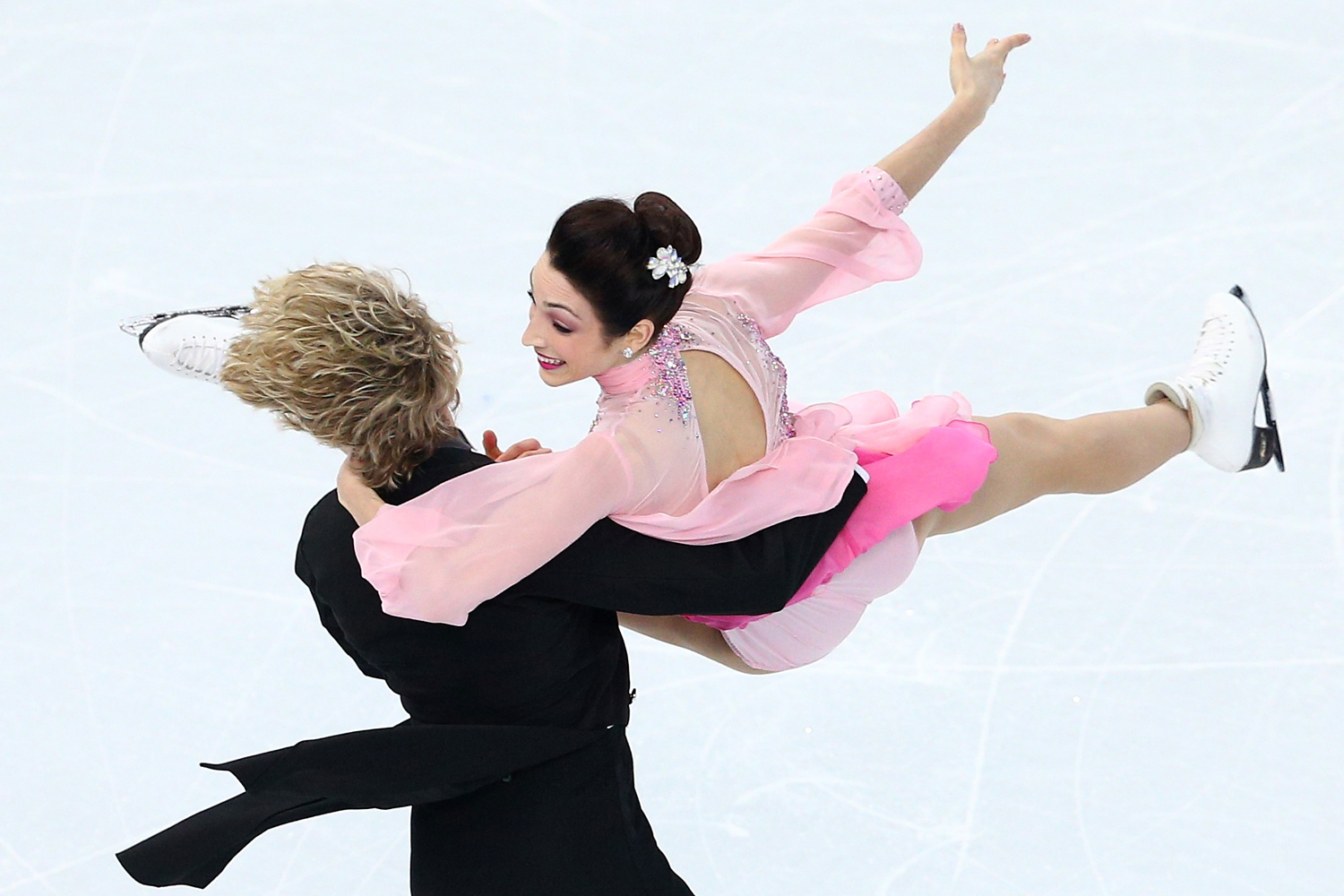 Meryl Davis and Charlie White of the United States compete during the Figure Skating Ice Dance Short Dance during the Sochi 2014 Winter Olympics at Iceberg Skating Palace on February 16, 2014 in Sochi, Russia.