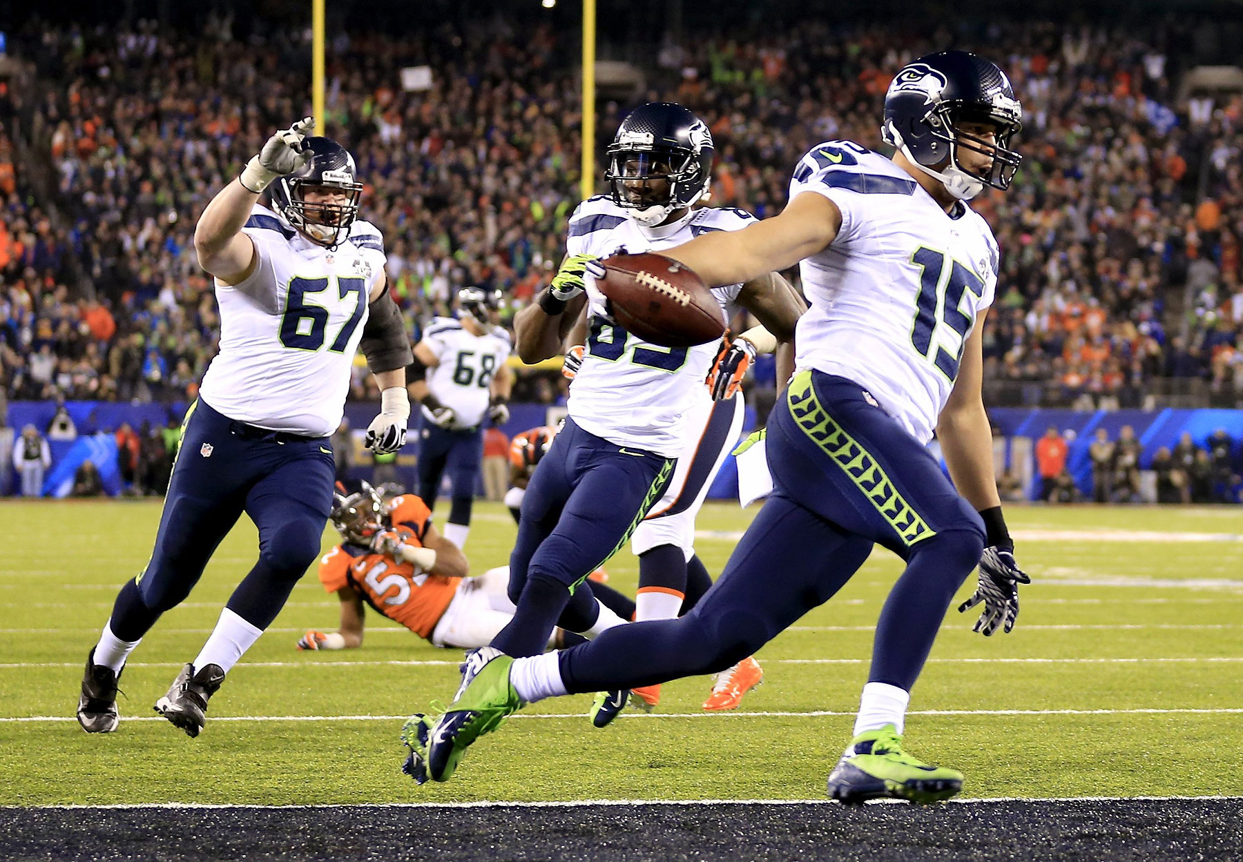 Wide receiver Jermaine Kearse of the Seattle Seahawks runs 23 yards to score a third quarter touchdown.