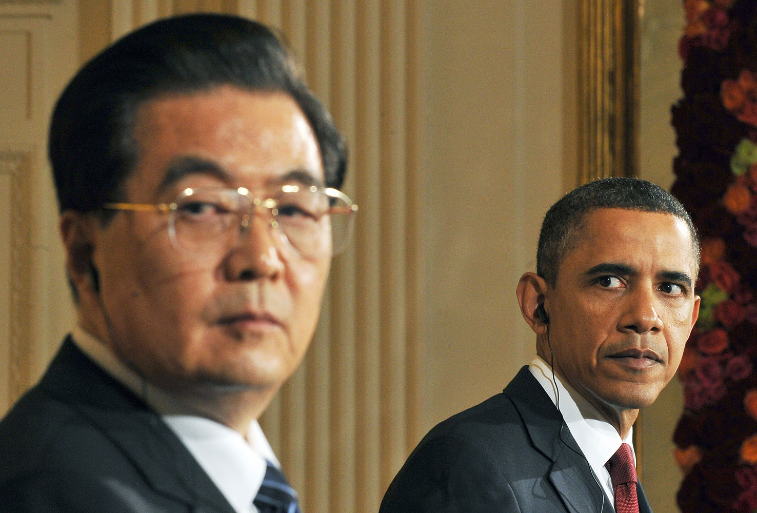 US President Barack Obama and his Chinese counterpart Hu Jintao hold a press conference in the East Room at the White House in Washington, DC, on Jan. 19, 2011.