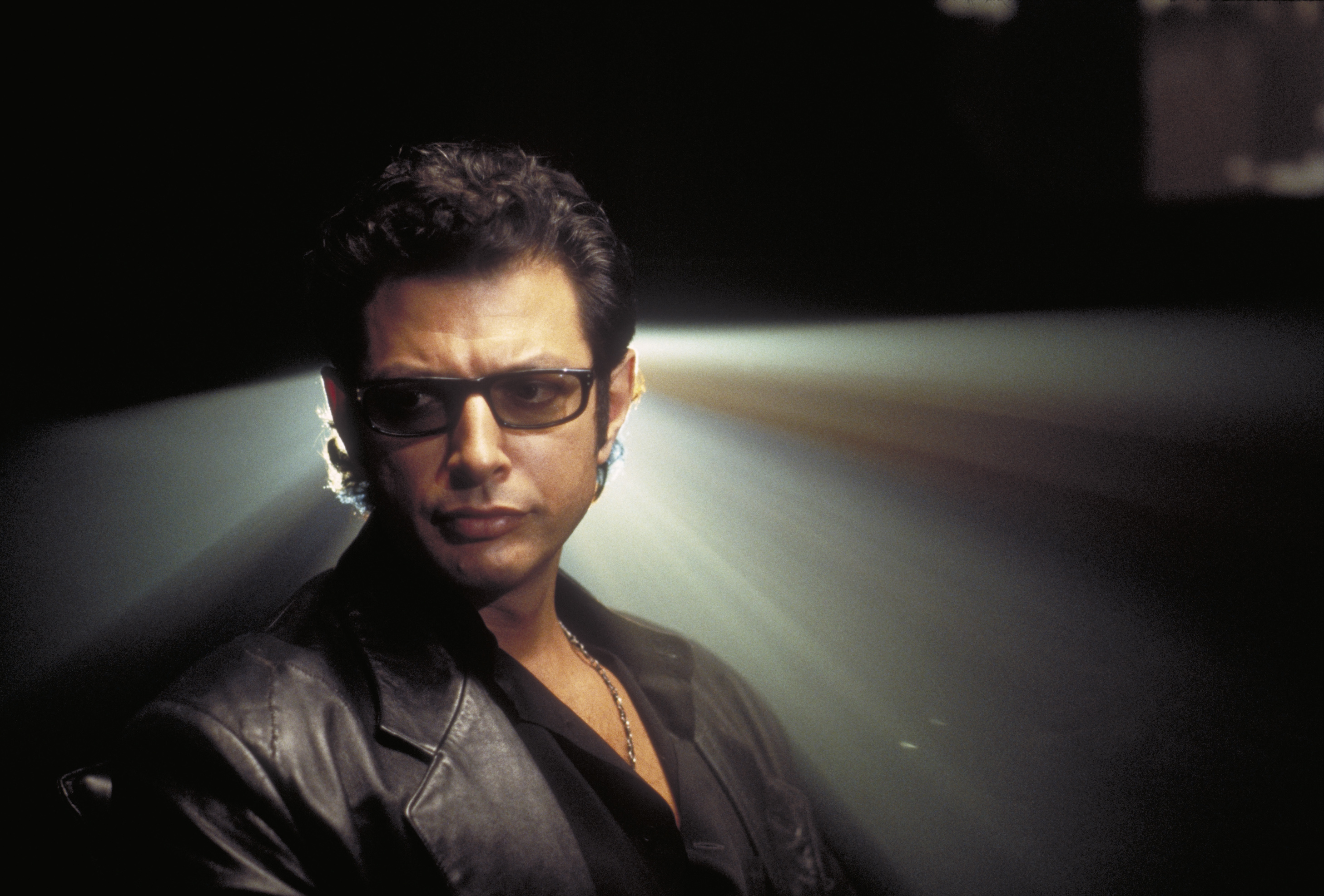 American actor Jeff Goldblum as Dr. Ian Malcolm in a scene from the film 'Jurassic Park.'