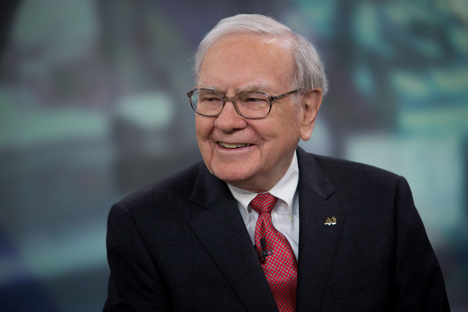 Warren Buffett, chairman and chief executive officer of Berkshire Hathaway Inc., speaks during an interview in New York, U.S., Oct. 22, 2013.