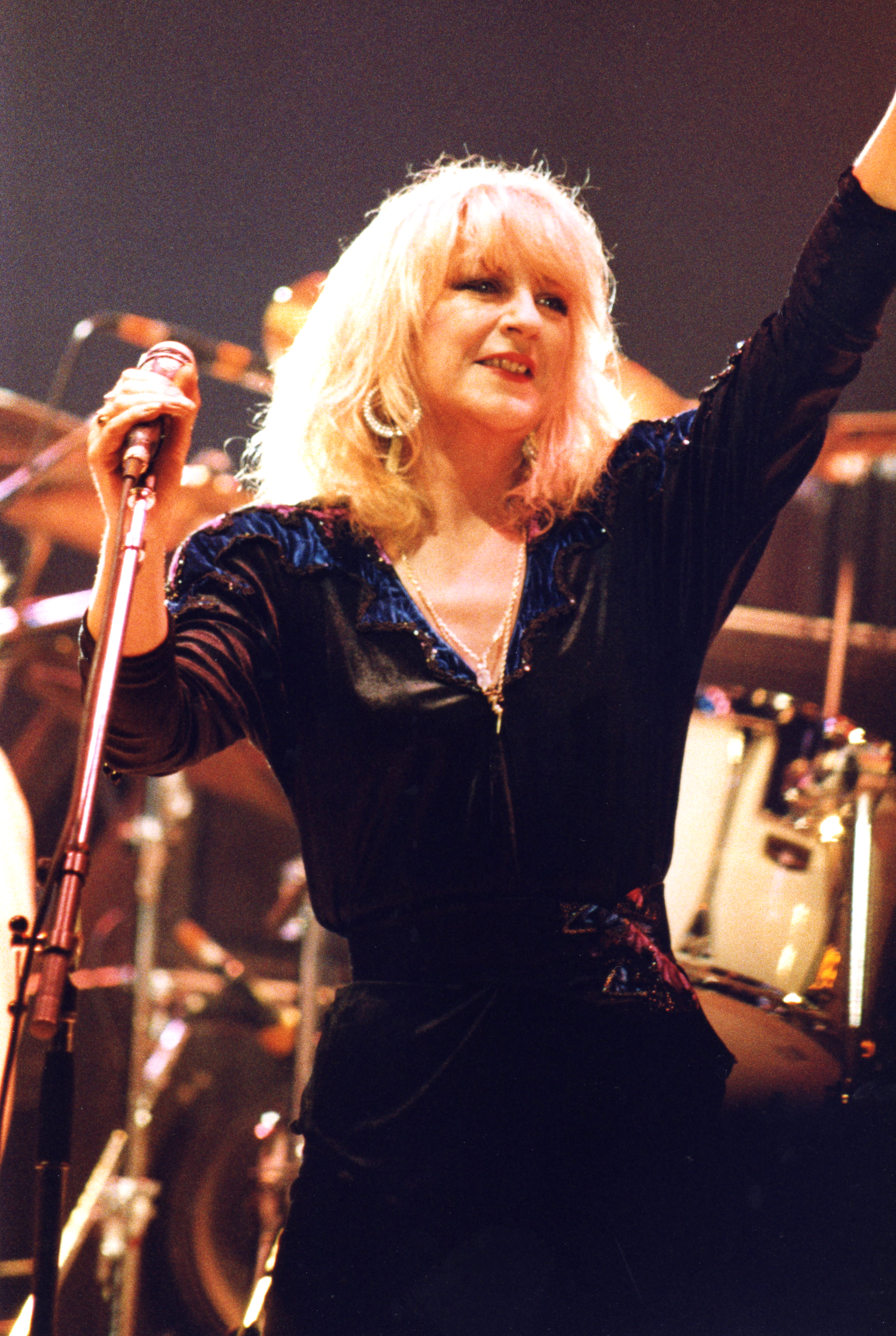 Christine McVie Rejoins Fleetwood Mac For New Album and Tour   Time