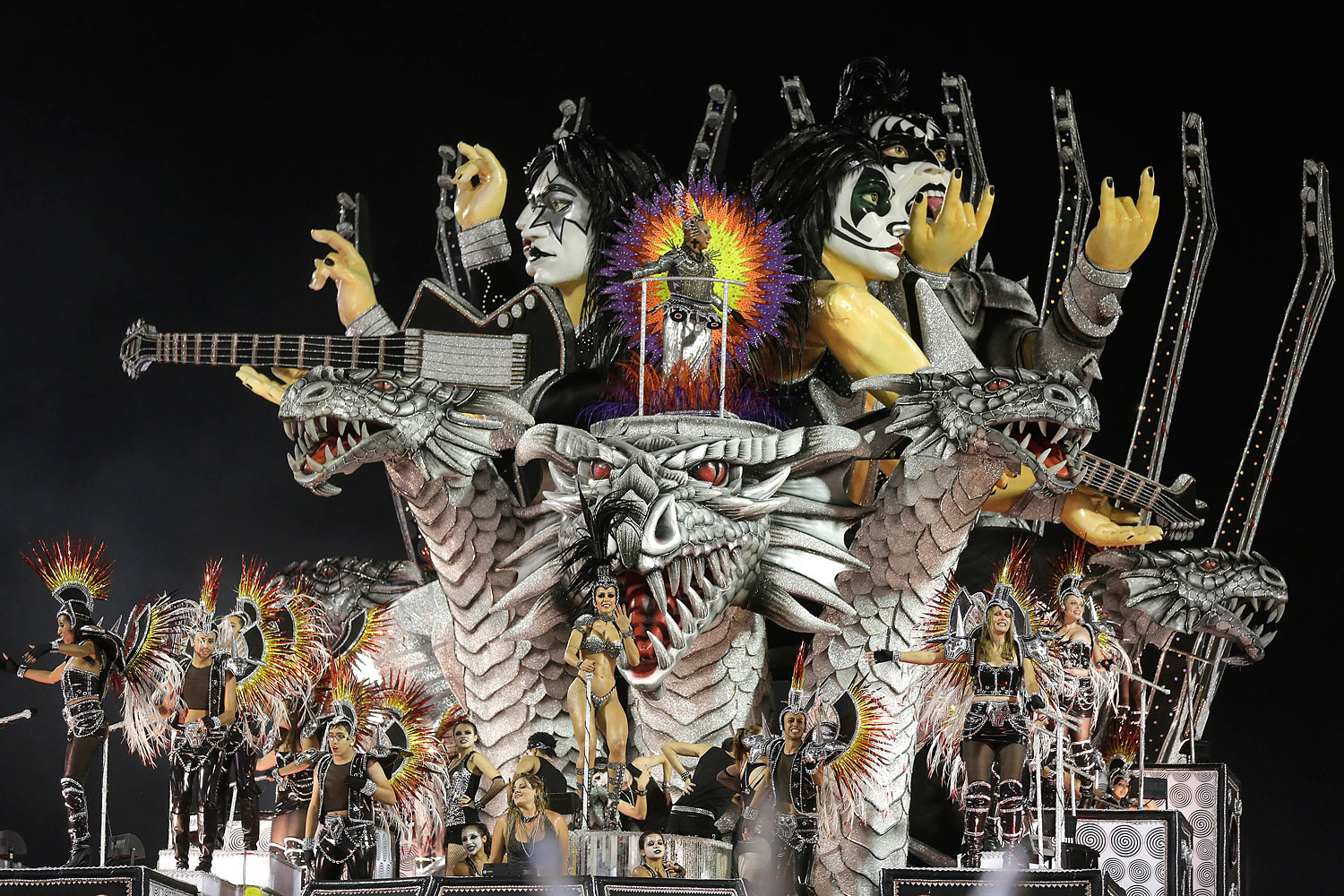 Dancers from the Dragoes da Real samba school perform on a float during a carnival parade in Sao Paulo, March 1, 2014.
