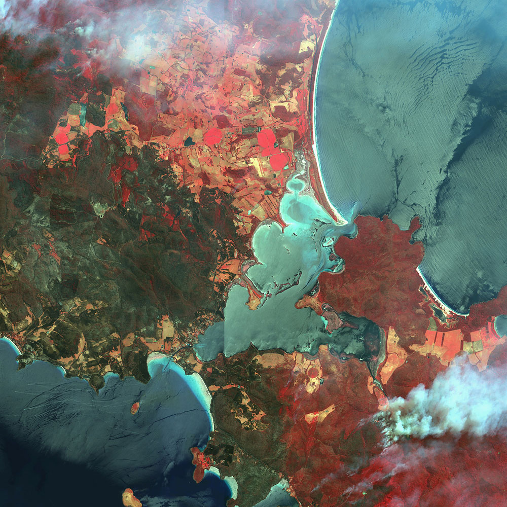 Dunalley, Australia, Jan. 6, 2013 – fires, false color image (red = healthy vegetation)