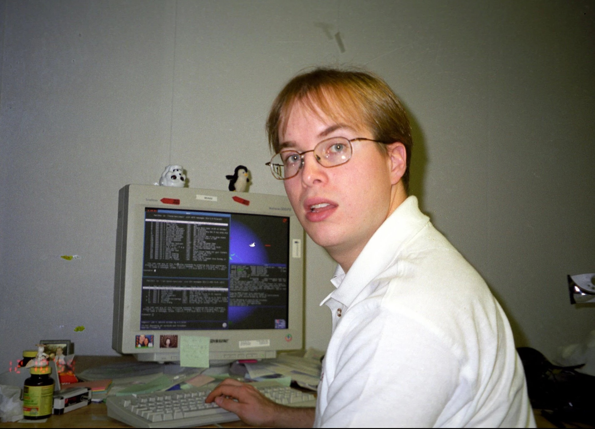 Gmail's creator, Paul Buchheit, at his desk at Google in 1999