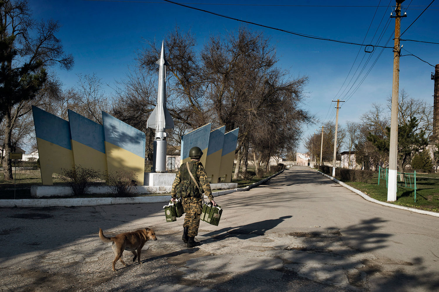 Russian troops occupy a Ukrainian military base in the Crimean town of Yevpatori, March 5, 2014.