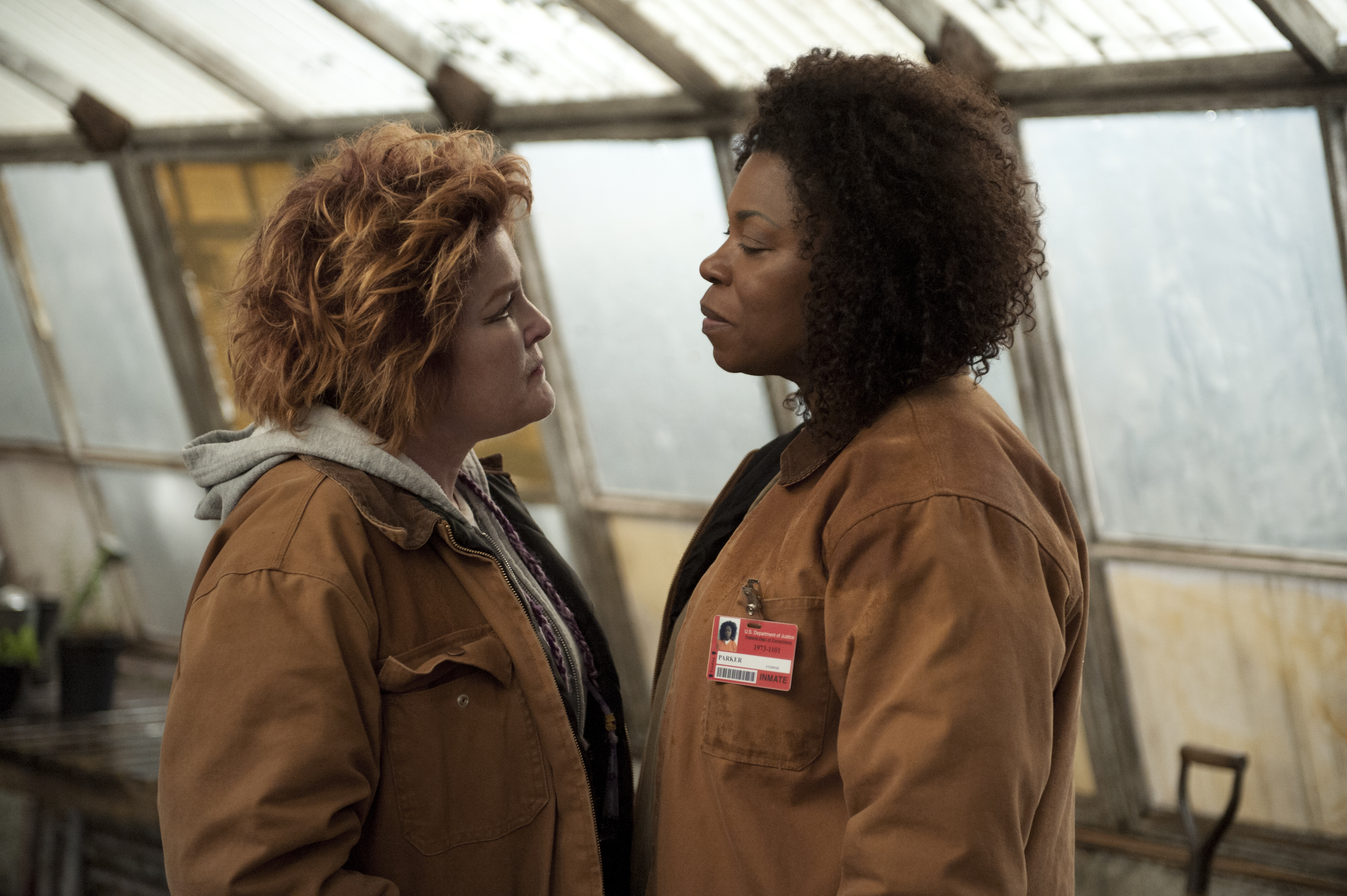 Kate Mulgrew (L) and Lorraine Toussaint (R) in a scene from Netflix's Orange is the New Black